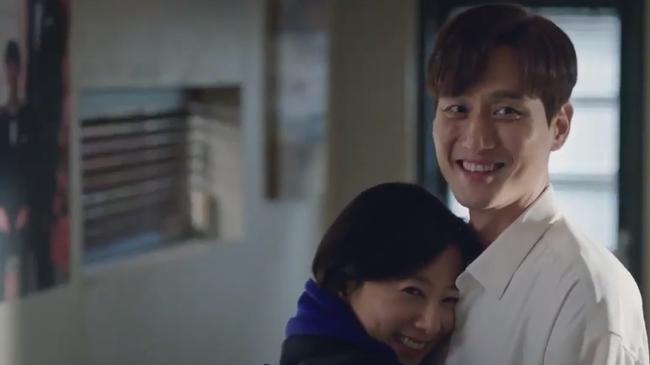 """Kim Hee Ae lần đầu nói về sự thành công của """"Thế giới hôn nhân"""": """"Phim tôi đóng không thể thua bản gốc"""" - Ảnh 2."""