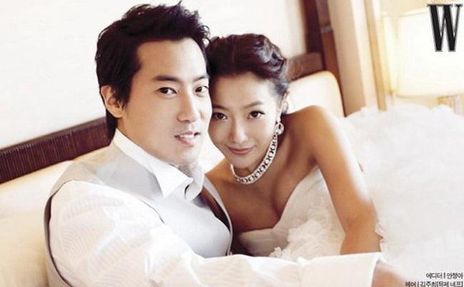 """Kim Hee Sun - Người phụ nữ duy nhất tự tin khẳng định đẹp hơn Kim Tae Hee: Từng đau đớn tới mức muốn bỏ showbiz, bỏ xứ mà đi vì con gái bị chê """"mẹ công đẻ con cú"""" - Ảnh 4."""