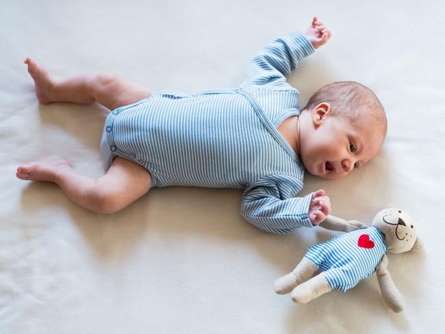 7 món đồ nhiều bố mẹ đổ xô mua nhưng thực sự không hề cần thiết cho bé trong năm đầu đời - Ảnh 7.