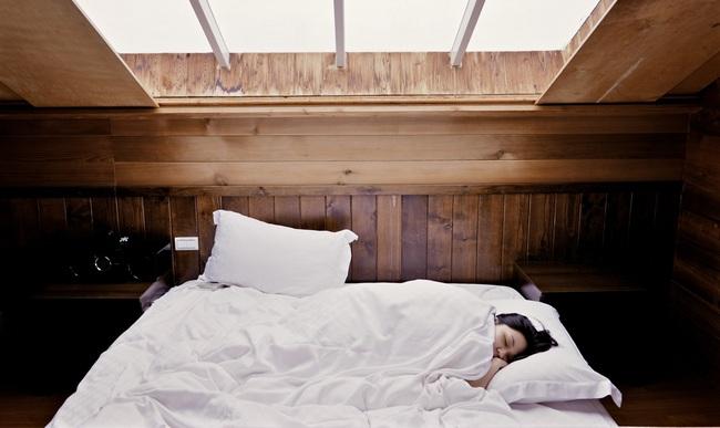 Thực hiện 6 điều nhỏ nhặt này, cơ thể sẽ tự đốt cháy mỡ thừa mạnh mẽ hơn trong khi bạn ngủ - Ảnh 1.