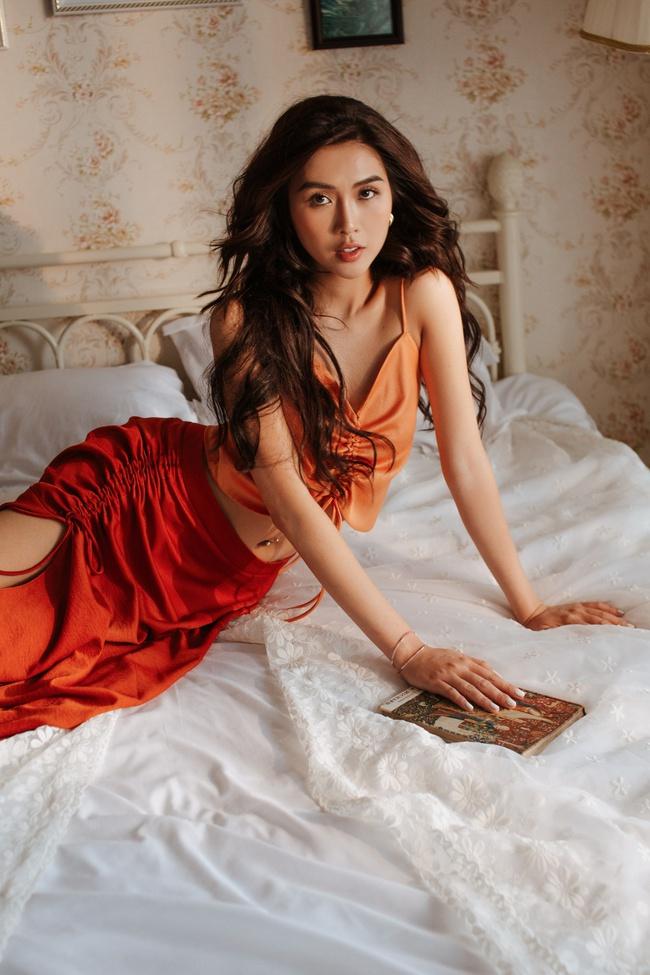 Hoa hậu Tường Linh để lộ hữu vòng eo 53cm nhỏ nhất showbiz dù nghỉ dịch cả tháng - Ảnh 7.