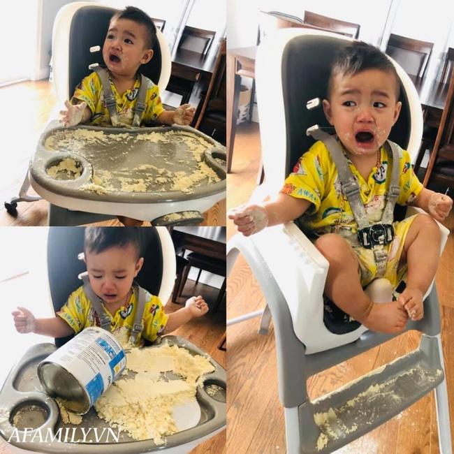 Đưa hộp sữa cho con chơi để đi nấu cơm, lát sau mẹ trở tay không kịp với hậu quả, nhìn phản ứng của cậu bé khó mà nhịn cười - Ảnh 1.