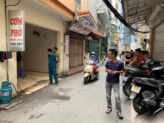 Hà Nội: Bàng hoàng phát hiện nam sinh tử vong trong tư thế treo cổ tại nhà riêng - Ảnh 1.