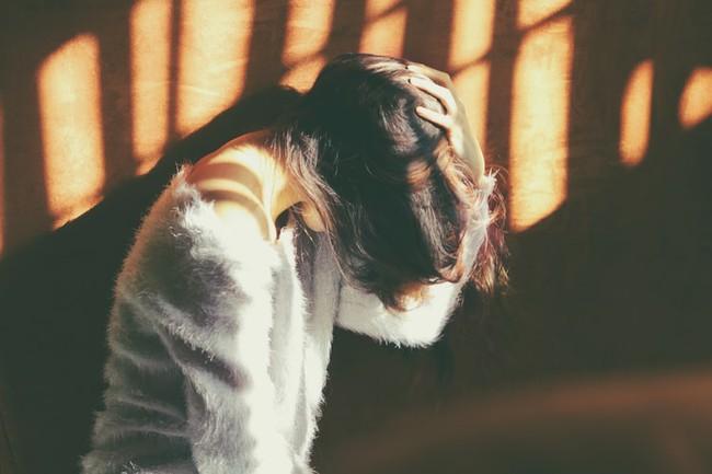 photo 1506024399685 c2095029481d 15906509370251101030404 Bắt gặp bạn trai lén lút dùng Tinder tà lưa phụ nữ, cô gái băn khoăn: Liệu tôi có nên sút anh ta khỏi cuộc đời mình?