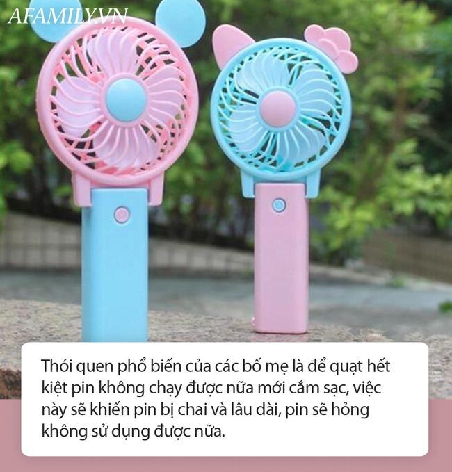 Quạt cầm tay trẻ em phát nổ khi đang sạc, mẹ Hà Nội lên tiếng cảnh báo sản phẩm đang được dùng nhan nhản vào mùa hè - Ảnh 4.