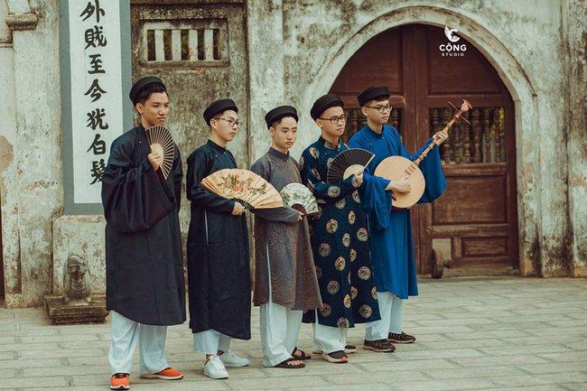 Ngắm trọn bộ ảnh kỷ yếu lớp chuyên Pháp trường Lê Hồng Phong - Nam Định  với 28 bộ đồ cổ trang thuê từ nhà thiết kế phim Phượng Khấu, MV Hòa Minzy - Ảnh 6.