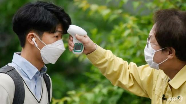 Cập nhật dịch COVID-19: Thế giới có hơn 5,9 triệu người mắc bệnh, đại dịch đang hạ nhiệt ở nhiều nơi trong khi một số nước tái áp đặt các biện pháp phòng chống - Ảnh 4.