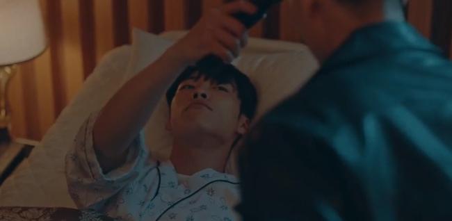 """Cú twist tập 13 """"Quân vương bất diệt"""": Hóa ra Lee Min Ho phiên bản tương lai đã tự xuyên không để tự giải cứu mình  - Ảnh 2."""