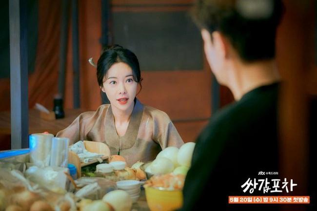Jang Nara - Hwang Jung Eum gây thất vọng khi lựa phim tái xuất quá nhạt, netizen Hàn không ngớt lời chê bai - Ảnh 2.