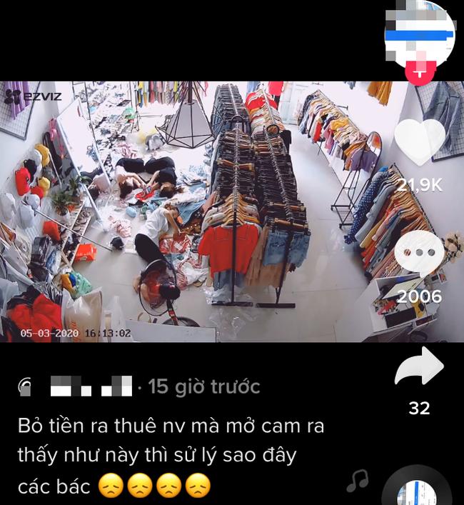 Chủ shop thời trang trích camera tố cáo nhân viên lười biếng nằm ra sàn nghịch điện thoại, đáng chú ý là phản ứng của cư dân mạng - Ảnh 2.