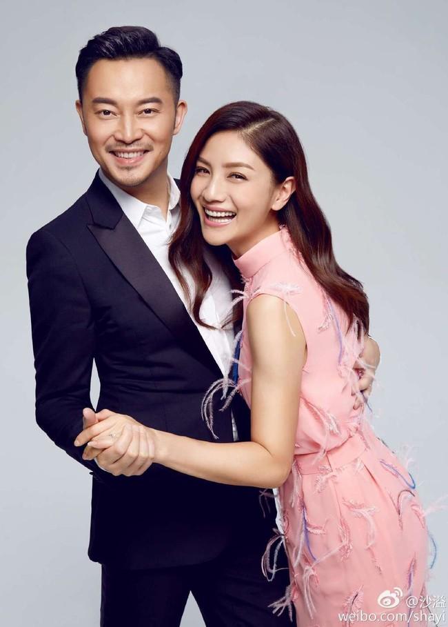 """Những cặp đôi """"tình chị em"""" được ngưỡng mộ nhất showbiz Hoa ngữ - Ảnh 1."""