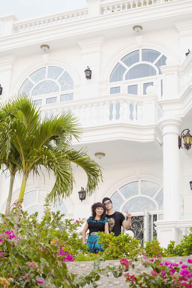 Nathan Lee khoe mẹ trẻ đẹp và biệt thự siêu sang chảnh giá hơn 600 tỷ đồng - Ảnh 9.