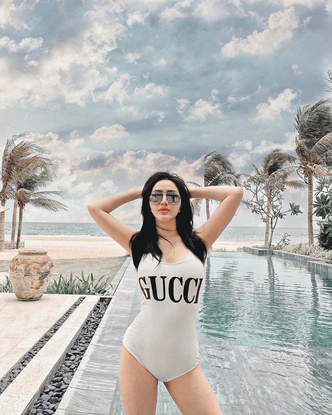 """Mới vào hè mà dàn mỹ nhân Việt đã thi nhau diện bikini khoe body """"cực gắt"""": Hội trên 30 tuổi """"chặt đẹp"""" lứa đàn em 9X - Ảnh 2."""
