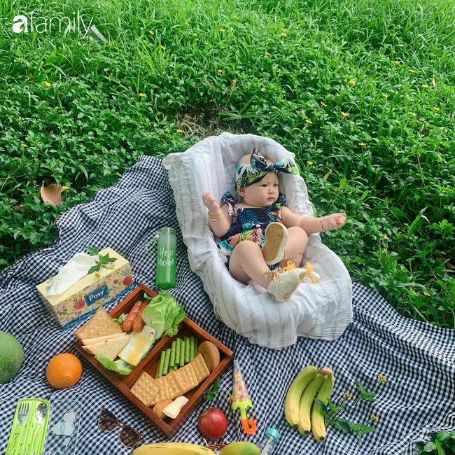 """Mẹ Sài Gòn tận dụng cây nhà lá vườn dựng bối cảnh chụp ảnh siêu yêu cho con, nhìn kho ảnh ai nấy """"phục sát đất"""" - Ảnh 11."""