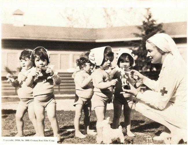 Cuộc đời đầy gian truân của 5 chị em gái trong ca sinh 5 đầu tiên vô cùng hiếm trên thế giới, trở thành trò mua vui cho thiên hạ rồi bị cha đẻ lạm dụng - Ảnh 7.