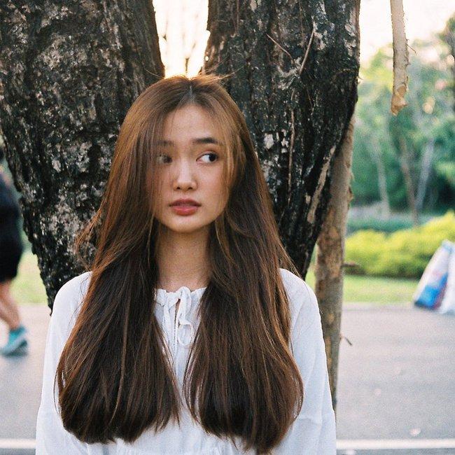 Mùa Hè đã rất khắc nghiệt với mái tóc, bạn còn mắc 5 sai lầm sau đây thì bảo sao tóc cứ xơ xác, thưa mỏng dần - Ảnh 3.