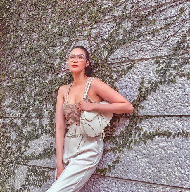 """Chiêm ngưỡng 11 outfit đẹp quá mức quy định của mỹ nhân Việt, bạn sẽ muốn """"quẩy"""" đồ trắng tới bến trong Hè này - Ảnh 6."""