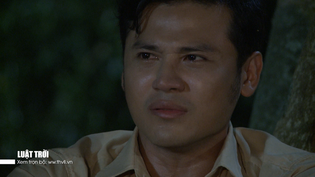 """""""Luật trời"""" tập 34: Sự thật tráo con bị phơi bày, bà Trang (Ngọc Lan) nhảy sông chạy trốn - Ảnh 8."""