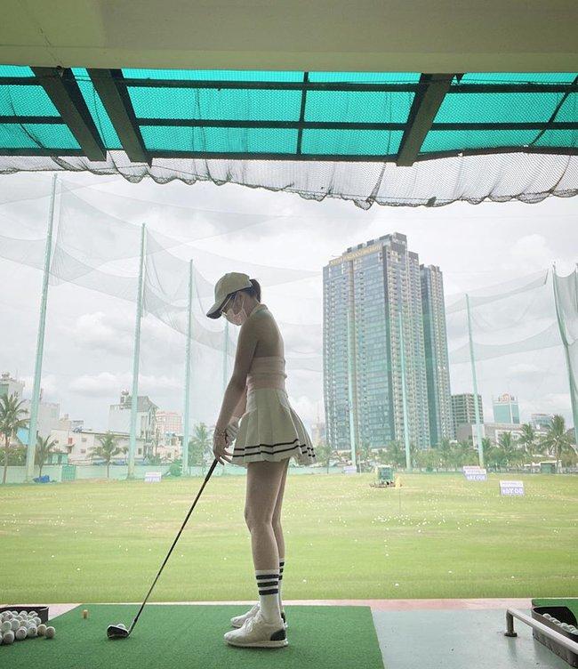 Yaya Trương Nhi khẳng định: Hạnh phúc là do bạn nắm giữ, bắt đầu và kết thúc là do bạn lái... cứ như chơi golf vậy thôi.