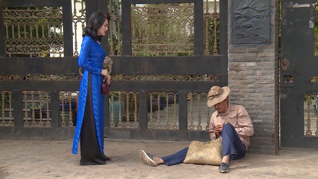 """""""Luật trời"""" tập cuối: Trang (Ngọc Lan) làm gái bao ở tuổi xế chiều nhưng cuối cùng lại bị tạt axit nát mặt - Ảnh 2."""
