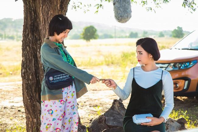 """Phim Việt về tình mẹ không thể bỏ qua: Thu Trang làm mẹ khờ nuôi con, Trương Ngọc Ánh gây sửng sốt với """"Áo lụa Hà Đông""""  - Ảnh 6."""