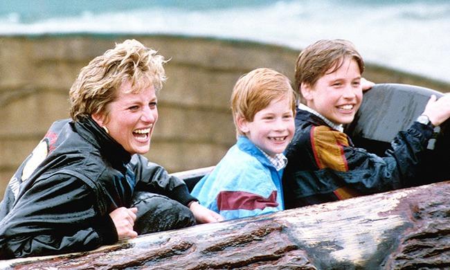 Ngày của Mẹ: Lại nhớ Công nương Diana lúc sinh thời, từng phá vỡ quy tắc Hoàng gia để tham gia cuộc chạy thi tại trường của các Hoàng tử khiến người hâm mộ nức lòng - Ảnh 13.