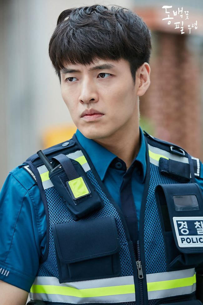 """Baeksang 2020 công bố đề cử: """"Hạ cánh nơi anh"""" chiếm 6 suất, Hyun Bin - Son Ye Jin """"hỗn chiến"""" với Park Seo Joon - Kim Hee Ae - Ảnh 8."""
