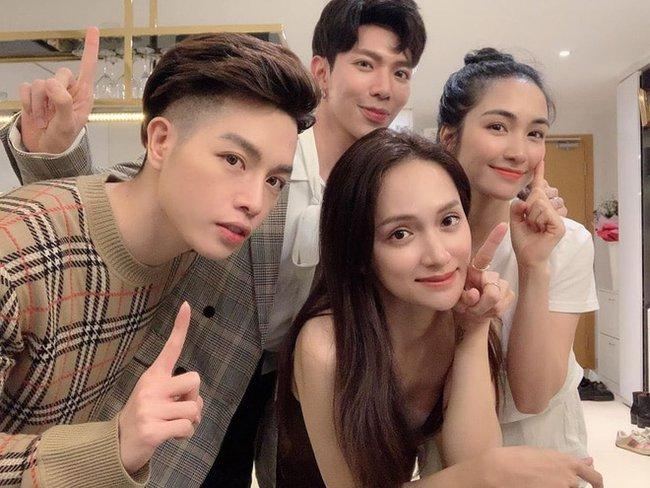 """Tổ hợp """"lầy lội"""" của showbiz Việt: Mỗi lần Hương Giang gặp gia đình Hoa dâm bụt là fan lại có dịp cười thả ga vì những màn tấu hài - Ảnh 6."""