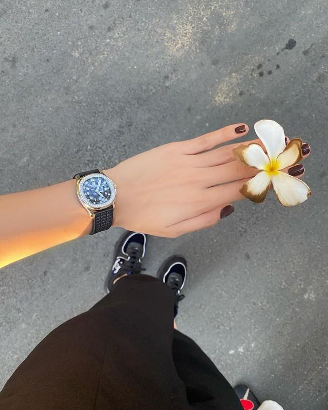 """Loạt mẫu nail chào Hè đẹp xuất sắc của sao châu Á, kiểu nào cũng """"sang tay"""" và tăng điểm phong cách ngoạn mục - Ảnh 3."""
