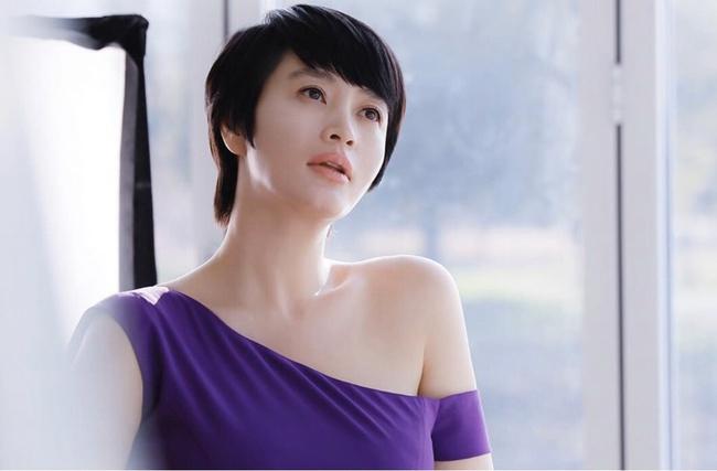 """Baeksang 2020 công bố đề cử: """"Hạ cánh nơi anh"""" chiếm 6 suất, Hyun Bin - Son Ye Jin """"hỗn chiến"""" với Park Seo Joon - Kim Hee Ae - Ảnh 5."""
