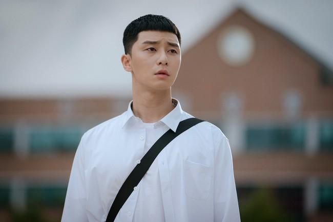 """Baeksang 2020 công bố đề cử: """"Hạ cánh nơi anh"""" chiếm 6 suất, Hyun Bin - Son Ye Jin """"hỗn chiến"""" với Park Seo Joon - Kim Hee Ae - Ảnh 10."""