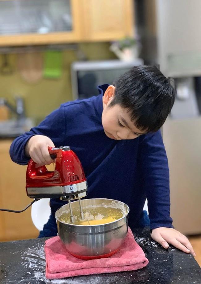 Cảm nhận sức gắn kết gia đình tuyệt vời lan tỏa từ căn bếp nhỏ của người phụ nữ Hà Thành tài hoa - Ảnh 5.