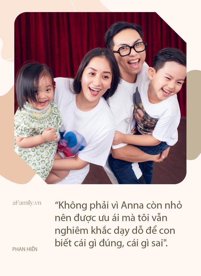 Anna giật đồ chơi của Kubi, Phan Hiển cứng rắn đưa ra hình phạt, cô út răm rắp nghe lời nhưng vẫn mang biểu cảm đến hài - Ảnh 6.