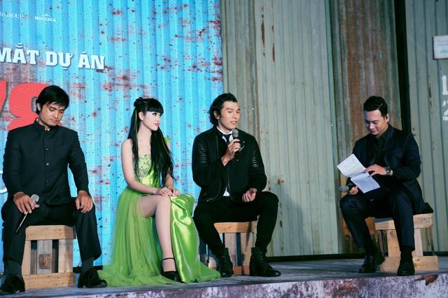 Hoa hậu H'Hen Niê xuất hiện với tóc xanh lạ mắt, lái mô tô phân khói lớn cực ngầu  - Ảnh 10.