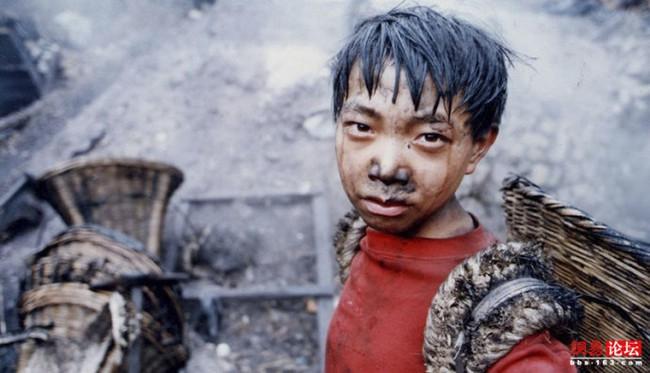 Vấn nạn lao động trẻ em: Ai cũng lên án và cấm đoán nhưng không biết rằng sự thật khiến các em đánh mất tuổi thơ là gì? - Ảnh 3.