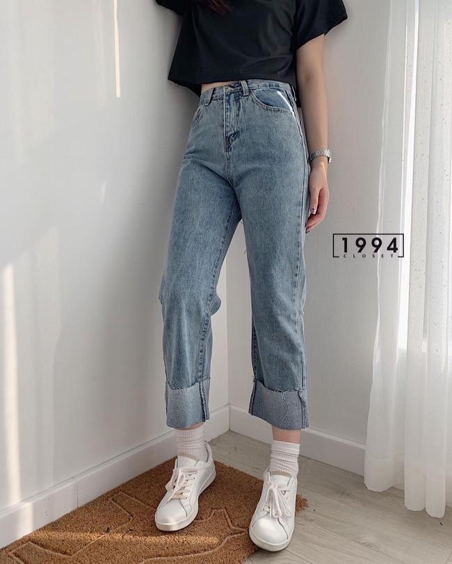 """Các mỹ nhân 8x của Vbiz cực kết một mẫu quần jeans hack tuổi siêu phàm, ai diện lên cũng trẻ và """"ăn chơi"""" hẳn - Ảnh 13."""