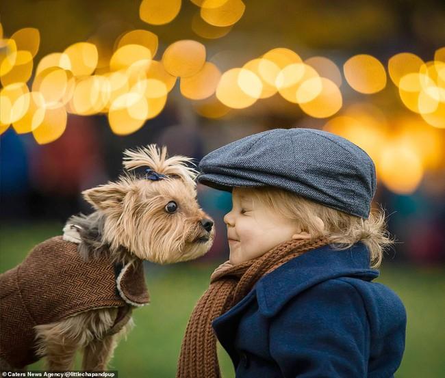 Tan chảy với những hình ảnh siêu cấp đáng yêu giữa cậu bé 2 tuổi và chú chó cưng - Ảnh 4.