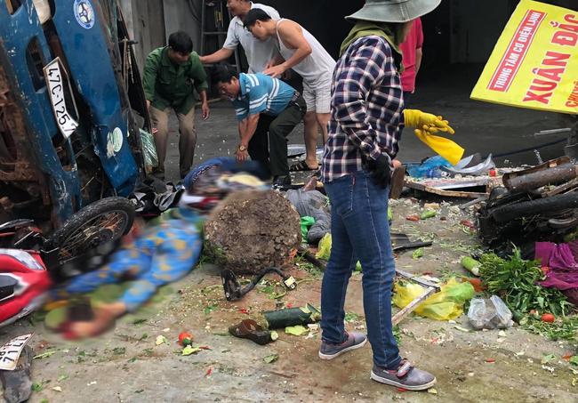 Vụ 2 xe tải và 1 ô tô lao vào chợ ở Đắk Nông: Ít nhất 5 người chết - Ảnh 5.
