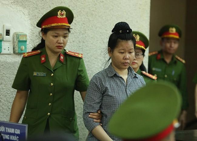 Đang xét xử mẹ nữ sinh giao gà ở Điện Biên về tội buôn bán trái phép chất ma tuý - Ảnh 1.