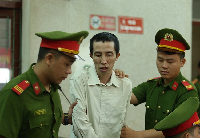Xét xử mẹ nữ sinh giao gà ở Điện Biên: Luật sư của Vì Thị Thu vắng mặt, HĐXX đề nghị hoãn phiên tòa - Ảnh 7.