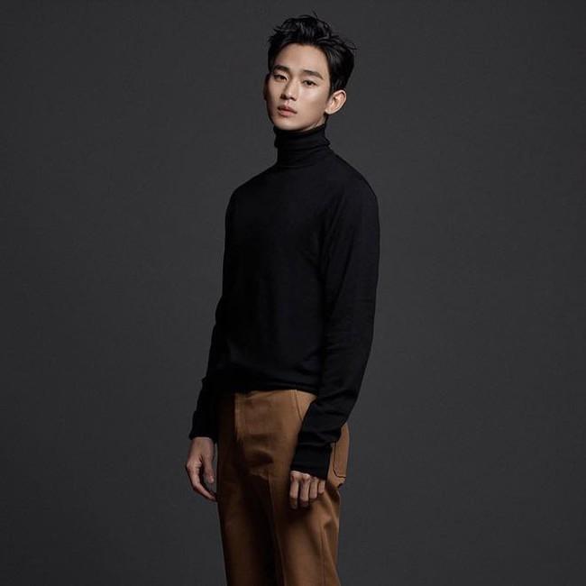 """Nửa đêm không ngủ, """"cụ giáo"""" Kim Soo Hyun âm thầm tung loạt ảnh mới, đỉnh cao thế nào mà netizen khen khí chất nam thần không thua gì Lee Min Ho?  - Ảnh 2."""