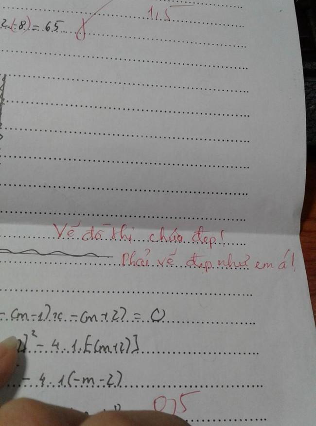 Bị cô giáo chê vẽ đồ thị xấu mà nữ sinh vẫn mừng ra mặt, hóa  ra vì  - Ảnh 1.