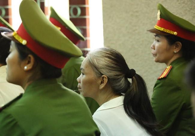 Đang xử phúc thẩm 9 bị cáo vụ sát hại nữ sinh giao gà ở Điện Biên - Ảnh 3.