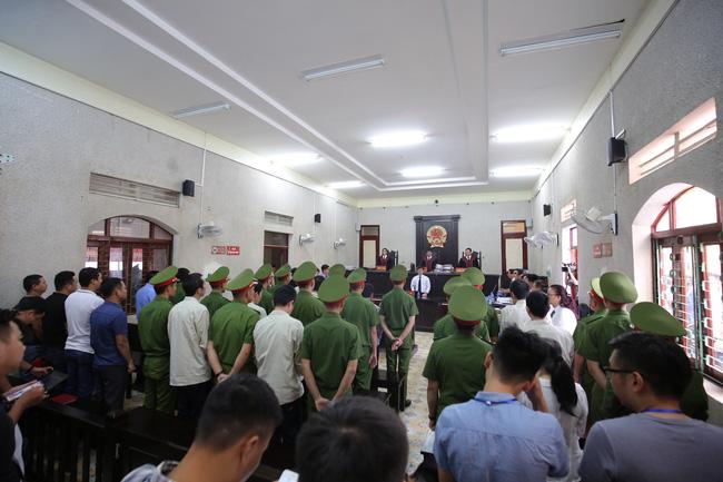 """Nhóm sát nhân sát hại nữ sinh giao gà ở Điện Biên kêu oan nói bị ép cung, đánh đập: """"Bị cáo toàn bị đánh đập trước khi lấy lời khai"""" - Ảnh 1."""