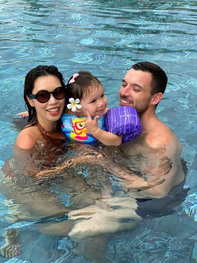 """Mùa hè xinh xắn của hội hot kid: Sữa """"chủ tịch"""" cosplay cá Nemo đi bơi, quý cô Myla chuyên phá đám phụ huynh """"sống ảo"""" - Ảnh 8."""