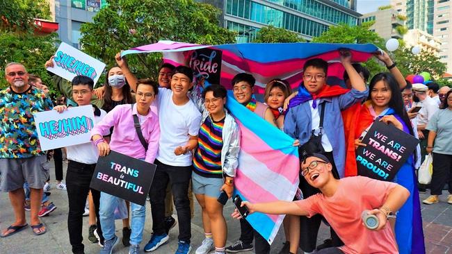 Tin vui cho cộng đồng LGBT: Bệnh viện Da liễu TP.HCM tập huấn giao tiếp ứng xử với cộng đồng LGBT, xây dựng bệnh viện thân thiện - Ảnh 3.