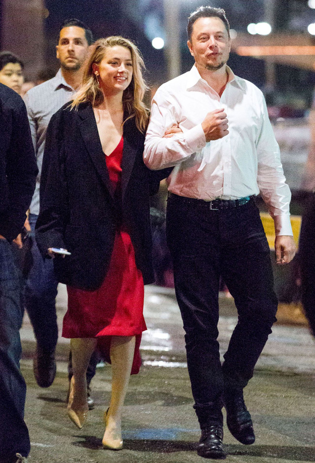 Amber Heard và Elon Musk