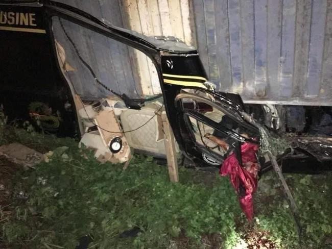 Đã xác định danh tính nạn nhân vụ container đè bẹp xe khách limousine - Ảnh 2.