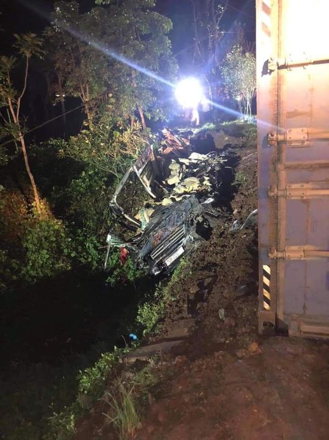 Đã xác định danh tính nạn nhân vụ container đè bẹp xe khách limousine - Ảnh 1.