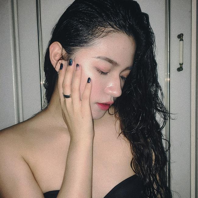 Mỗi việc sấy tóc mà để mắc 4 sai lầm sau, tóc bạn sẽ thường xuyên rụng cả nắm và ngày càng xác xơ - Ảnh 2.